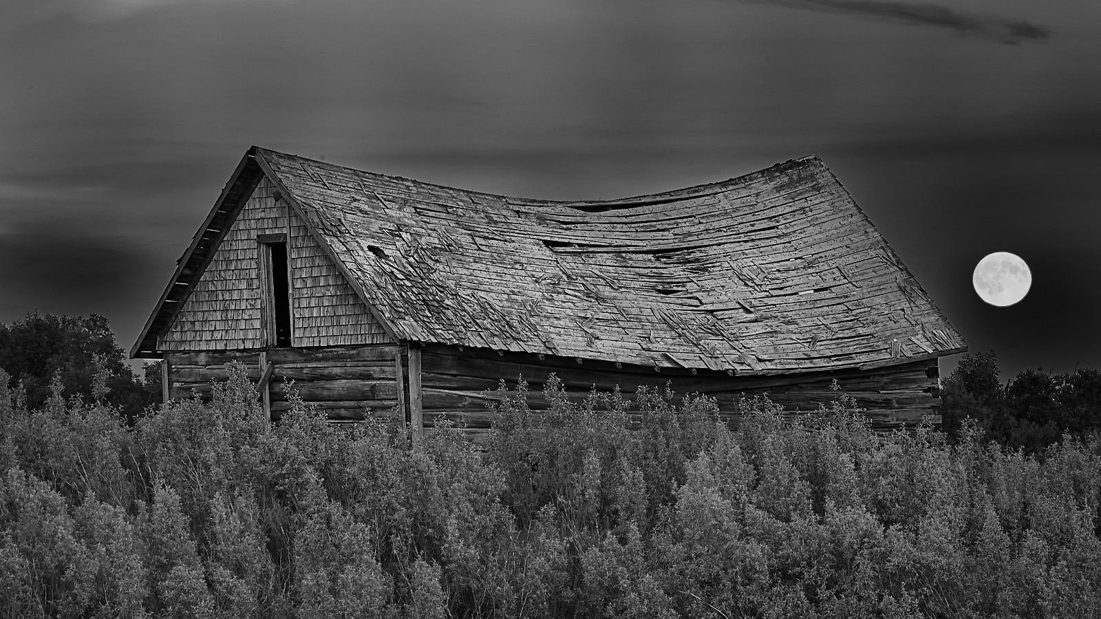 rosewood-moonlight-barn