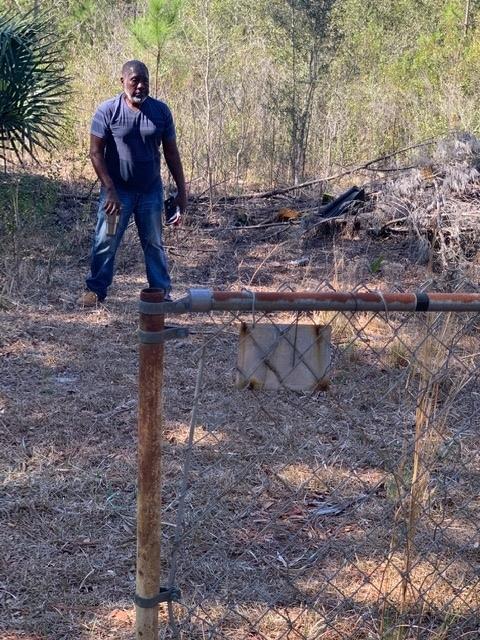 shiloh-cemetery-trash